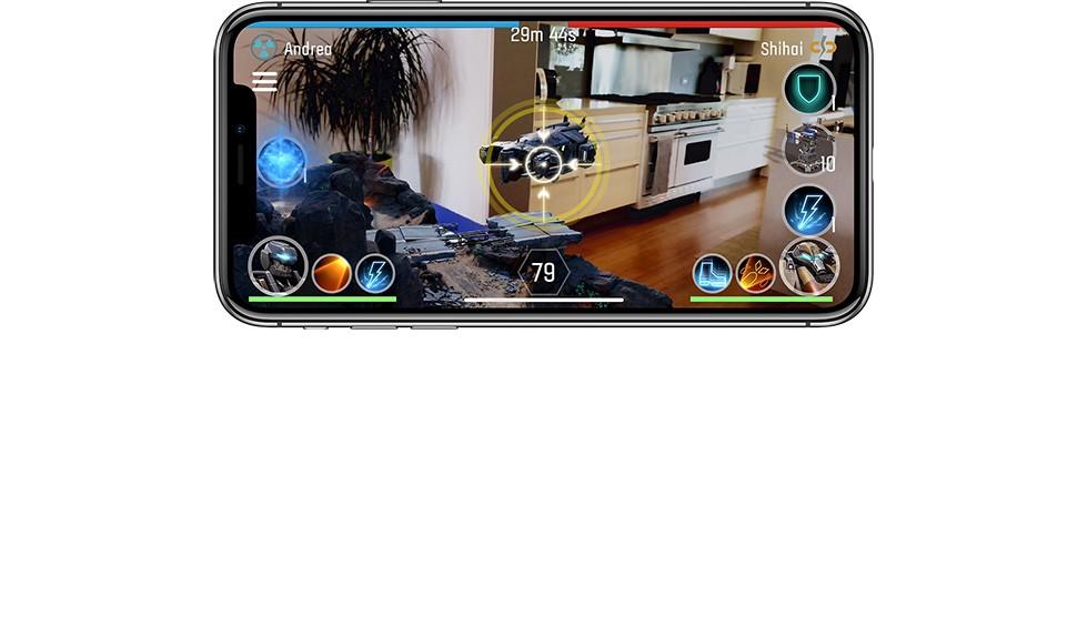 iPhone X シルバーの画面で、戦艦同士がスムーズな動作と拡張現実のゲームで戦っている画像