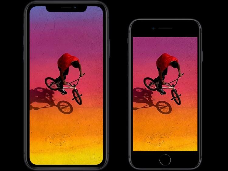 iPhone XR(テン アール)・iPhone 8(エイト)のスクリーンの比較。