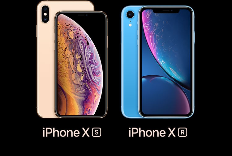 iPhone XS・iPhone XS Max シルバーとiPhone XR ブルーが横に並んでいる画像