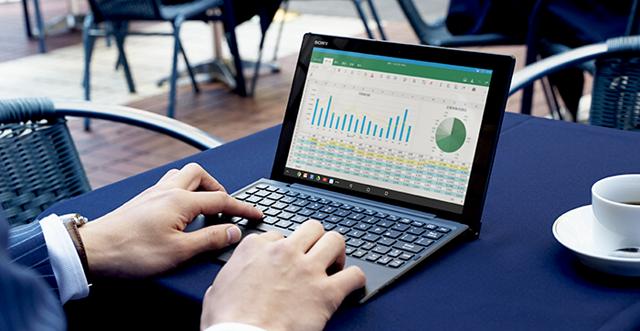 イメージ:Xperia™ Z4 Tablet専用 Bluetooth®キーボード(BKB50/別売)
